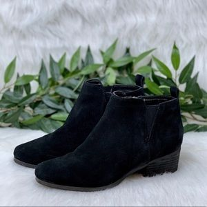 Blondo Waterproof Suede Black Ankle Booties 8.5